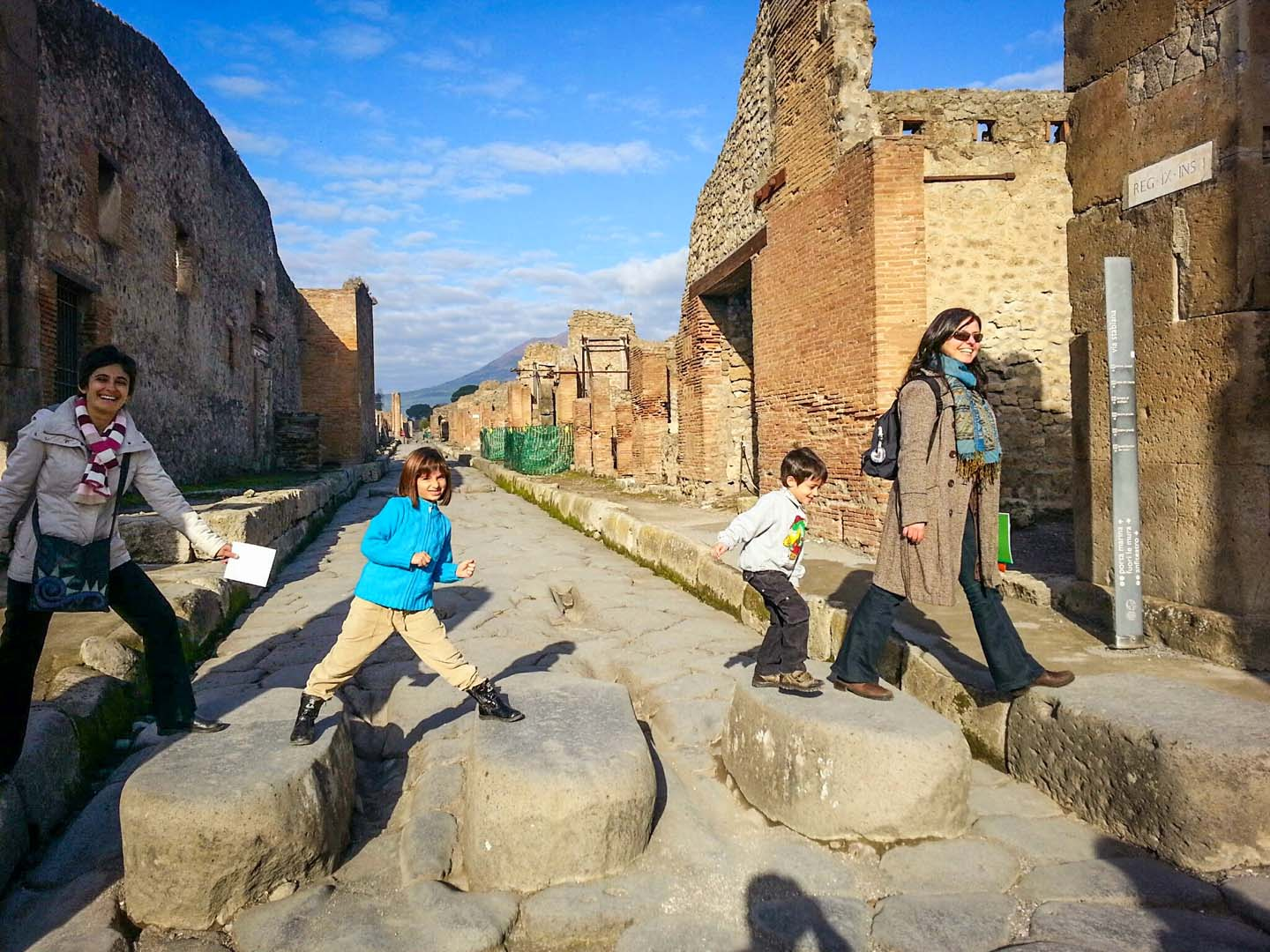 Pompeii for kids tour