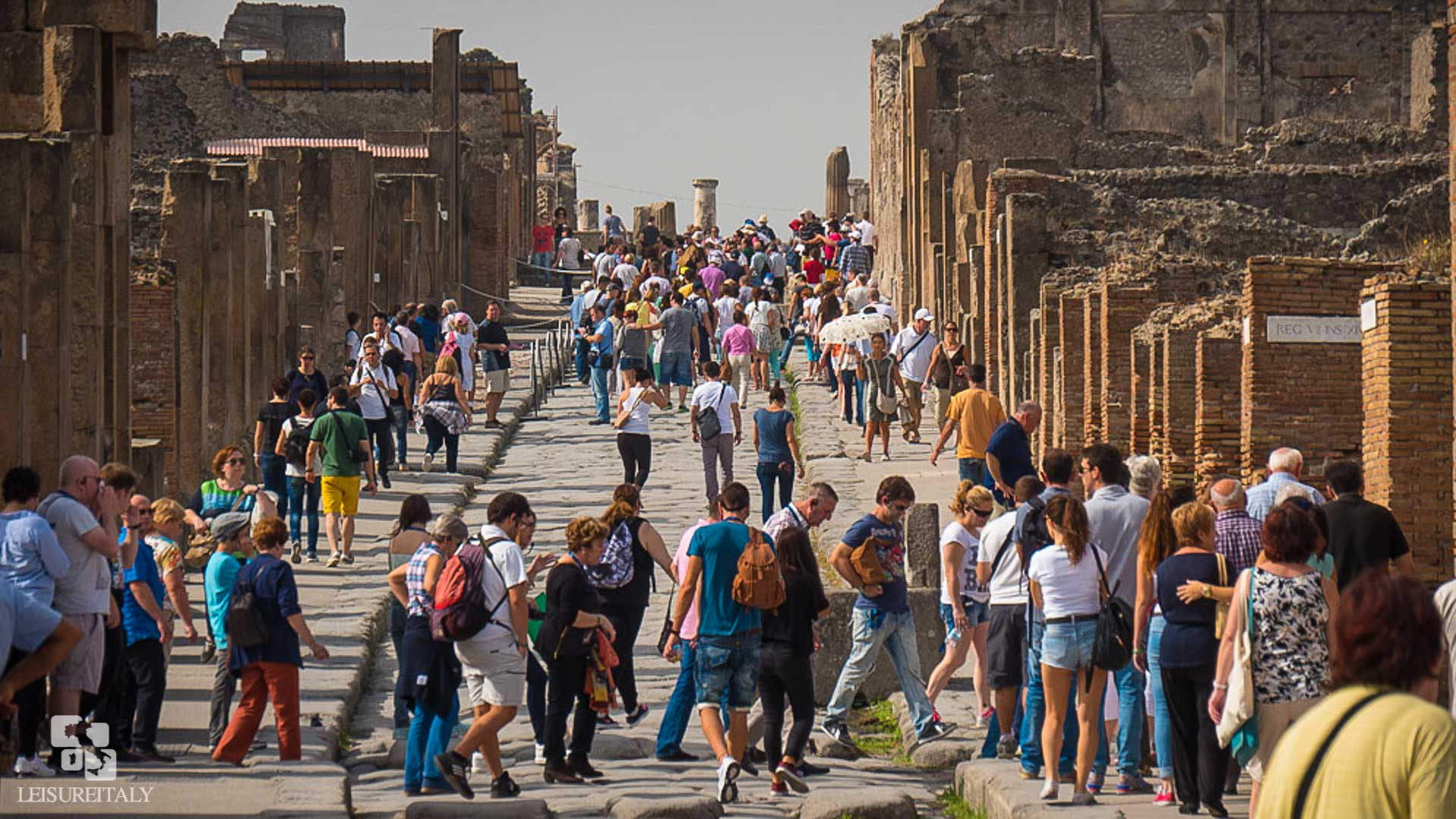 Visit Pompeii - Crowded Pompeii Street