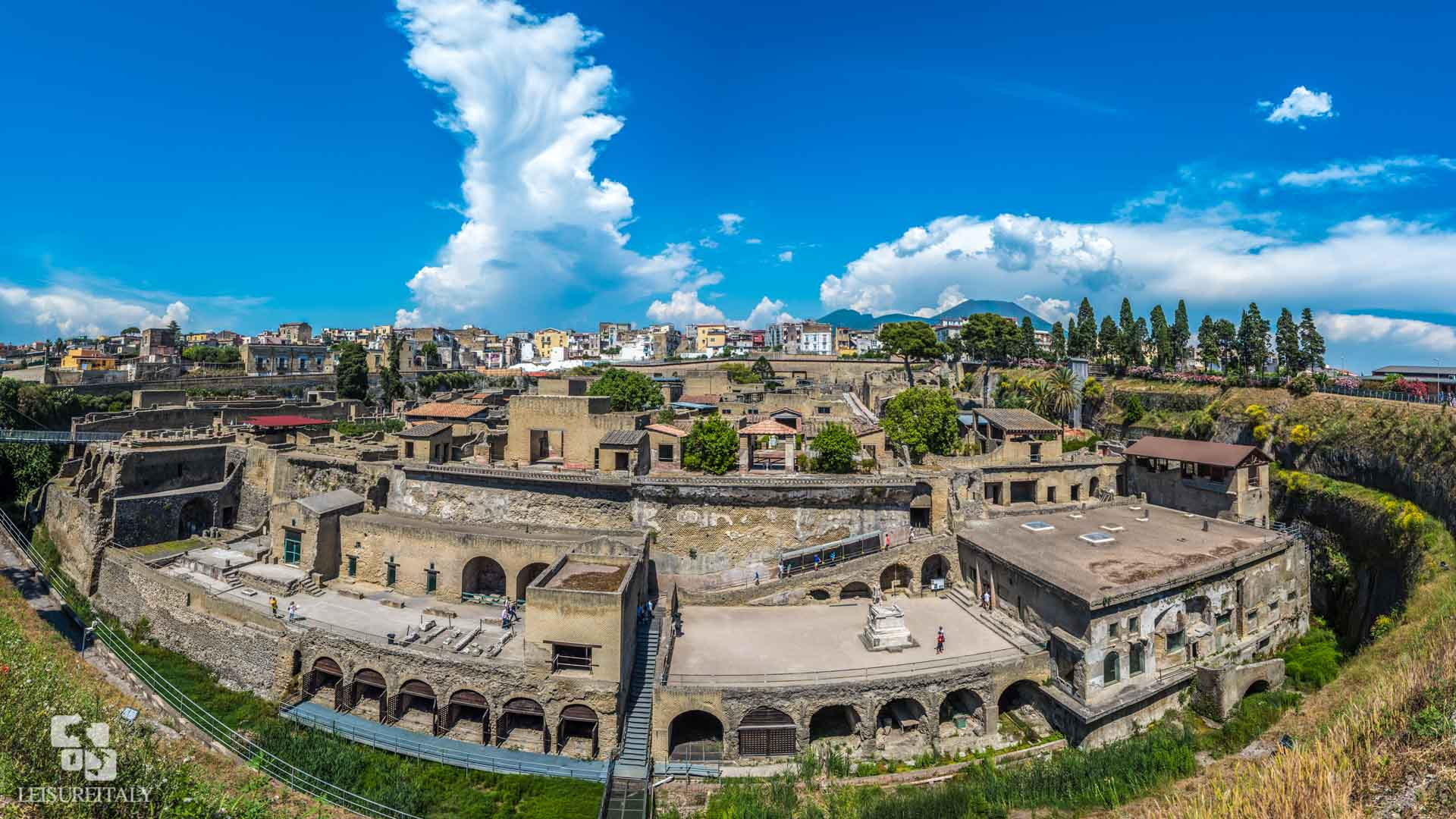 Visir Pompeii - The site of Herculaneum