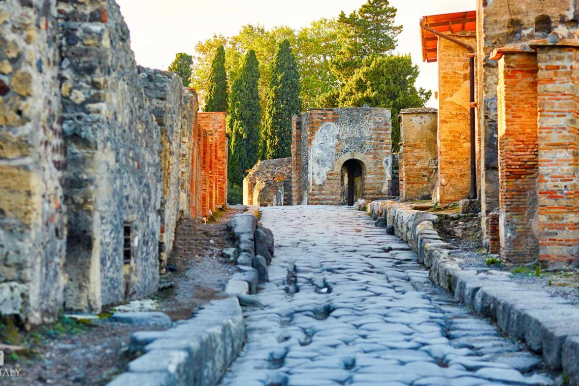 Pompeii Excavations - Pompeii Travel Tips